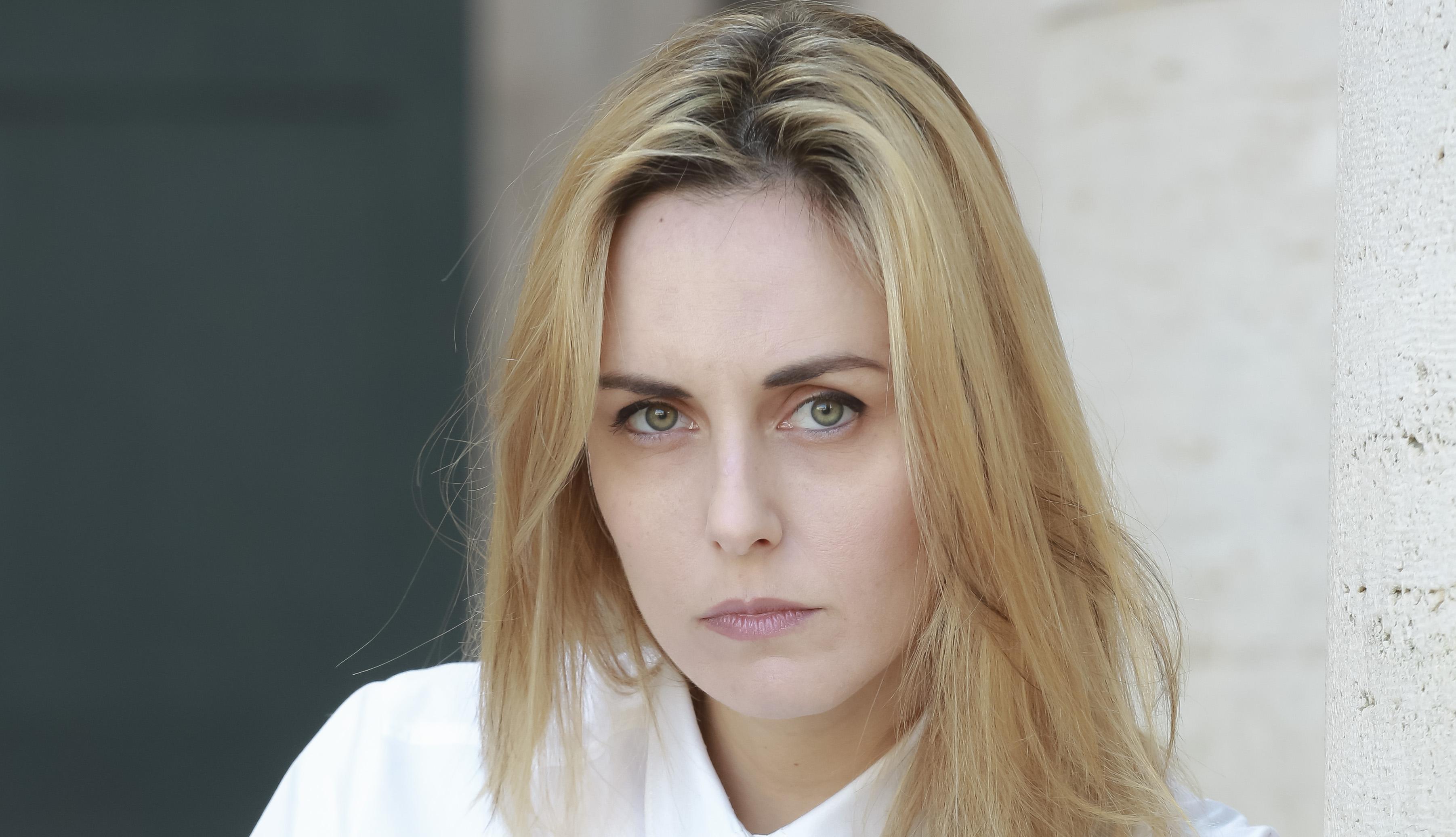 """Scuola Jenny Tamburi: Giulia Petrini infermiera nella fiction """"Oltre la soglia"""". Nel cast anche Annalisa Tancini e Lea Gavino."""